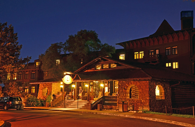 Grand Canyon Nat Park Twilight El Tovar Hotel Entrance