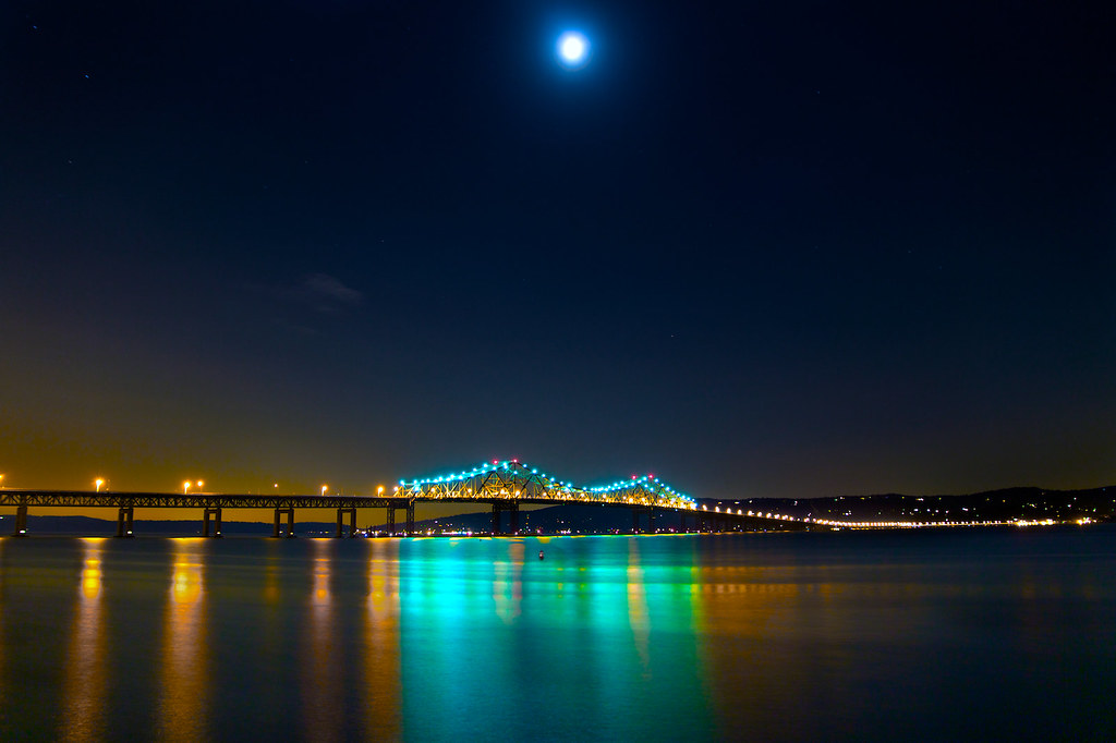 Tappan Zee by Moonlight A sleepy night by the bridge along… Flickr