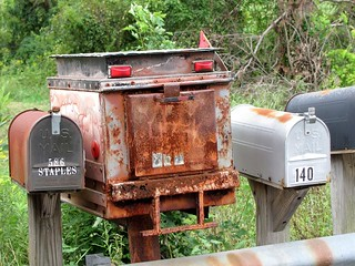Unique Mail Box | by Universal Pops (David)