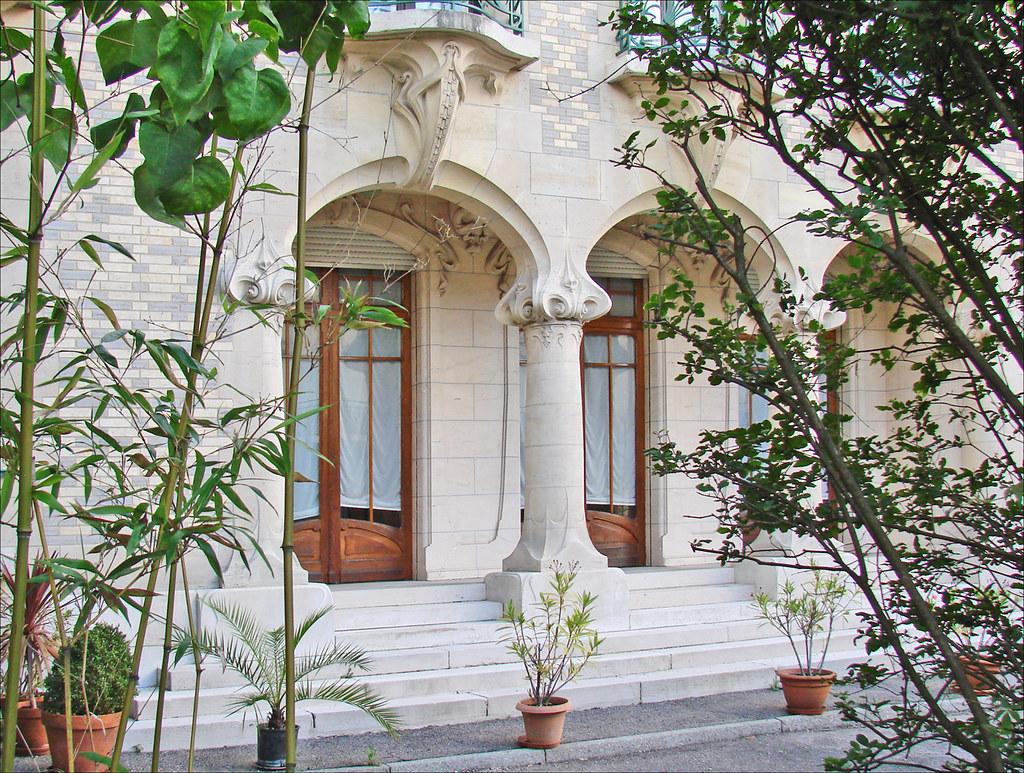 Maison de victor luc de style art nouveau nancy cour for Plans de maison de style nouveau