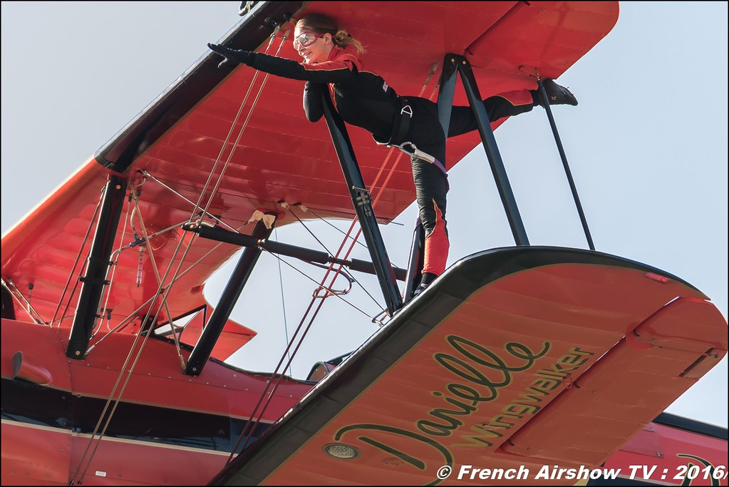 46 Aviation Wingwalker Danielle , 46 Aviation , N450D , Stearman, Kaydet , Meeting Aerien Roanne 2016, Meeting Aerien Roanne , ICAR Manifestations , meeting aerien roanne 2016 , Meeting Aerien 2016 , Canon Reflex , EOS System