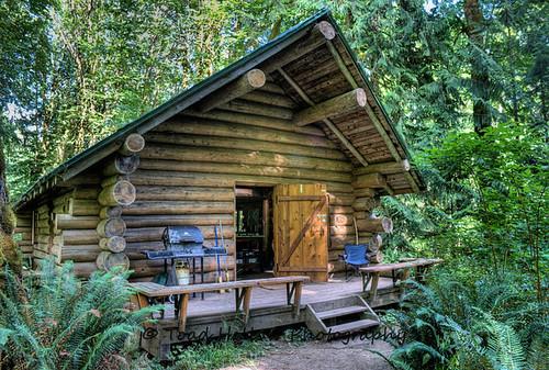 Rustic log cabin cowichan river vancouver island bc for Log cabin portici e ponti