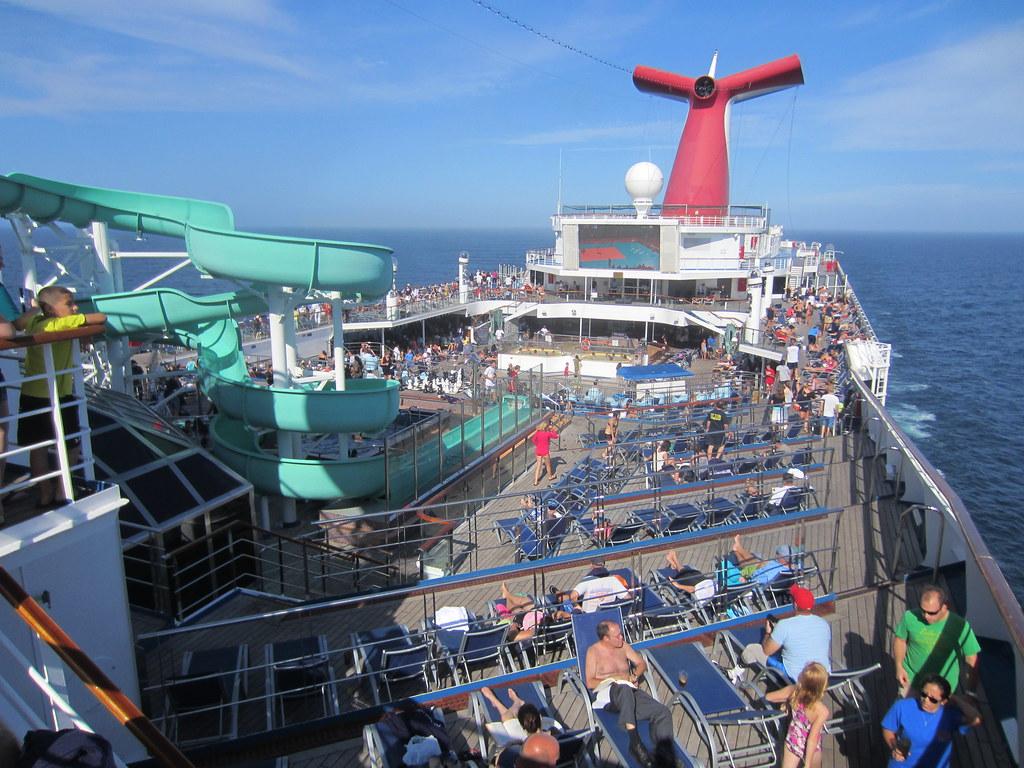 Carnival Cruise Line, Carnival Glory Ship Swimming Pool