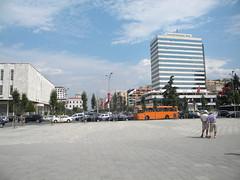 Sheshi Skënderbrej, Tiranë