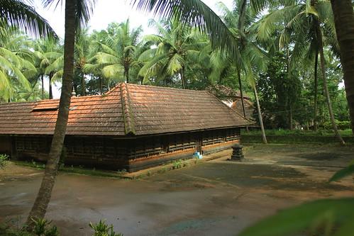 Family Temple | Traditional House Pattambi Kerala | shashi ...