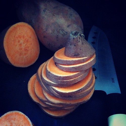 making baked sweet potato chips with thyme, long black pepper & fleur de sel | by Le Petrin