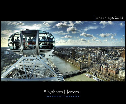 London eye | by RobertoHerrero