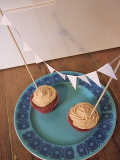 Mini cake bunting | by knitted owl