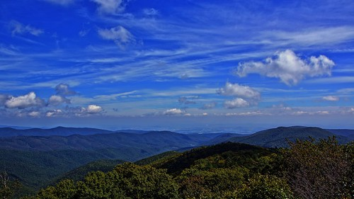 Shenandoah Valley, Massanutten Mountain, Harrisonburg, and Rockingham County, Virginia as seen from Reddish Knob | by Stephen Little