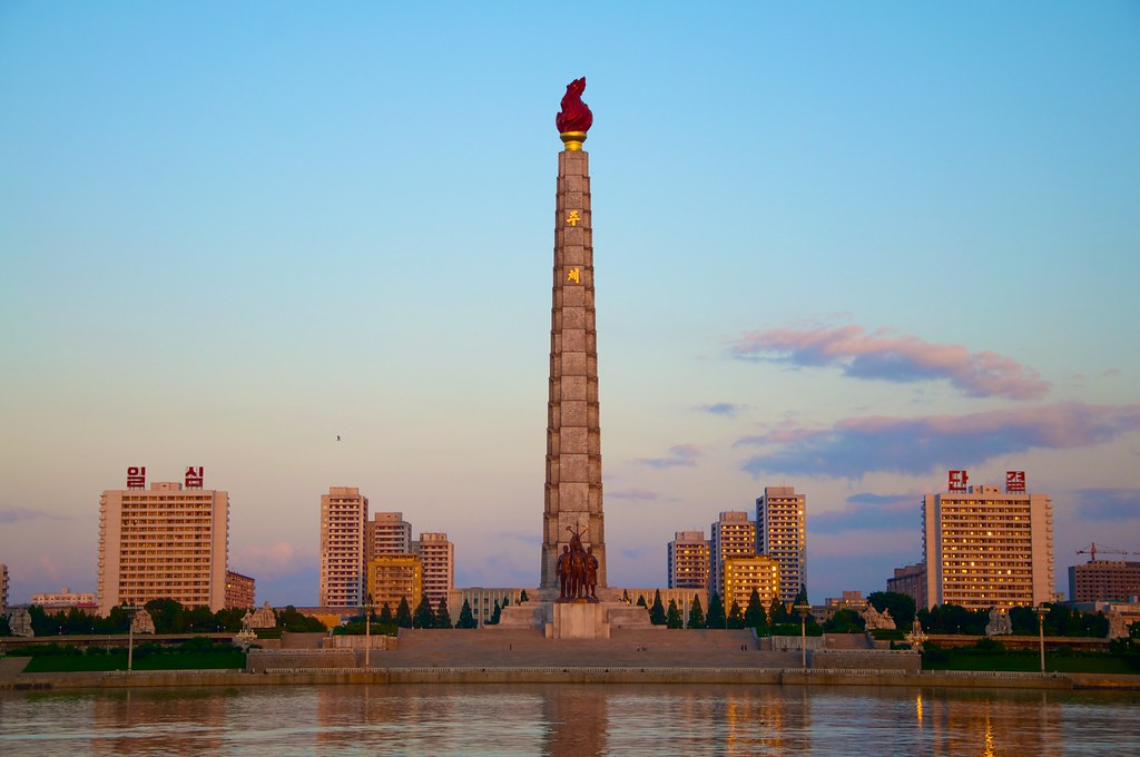 Juche Tower Pyongyang The Juche Tower (officially the Tow… Flickr