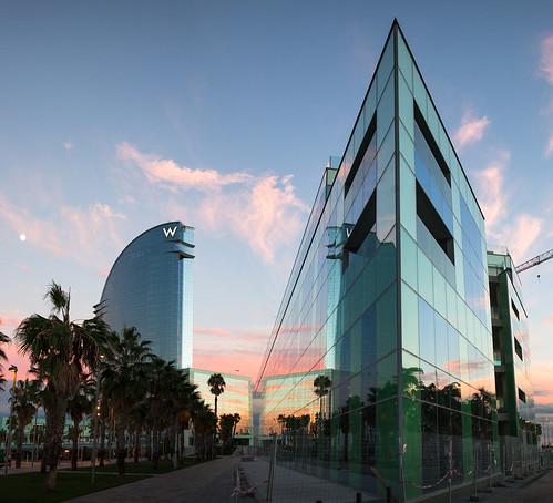 Future desigual headquarters and hotel w barcelona 12092 for Desigual oficinas barcelona