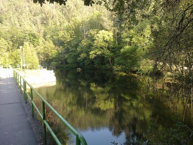 Río Mandeo en Coirós