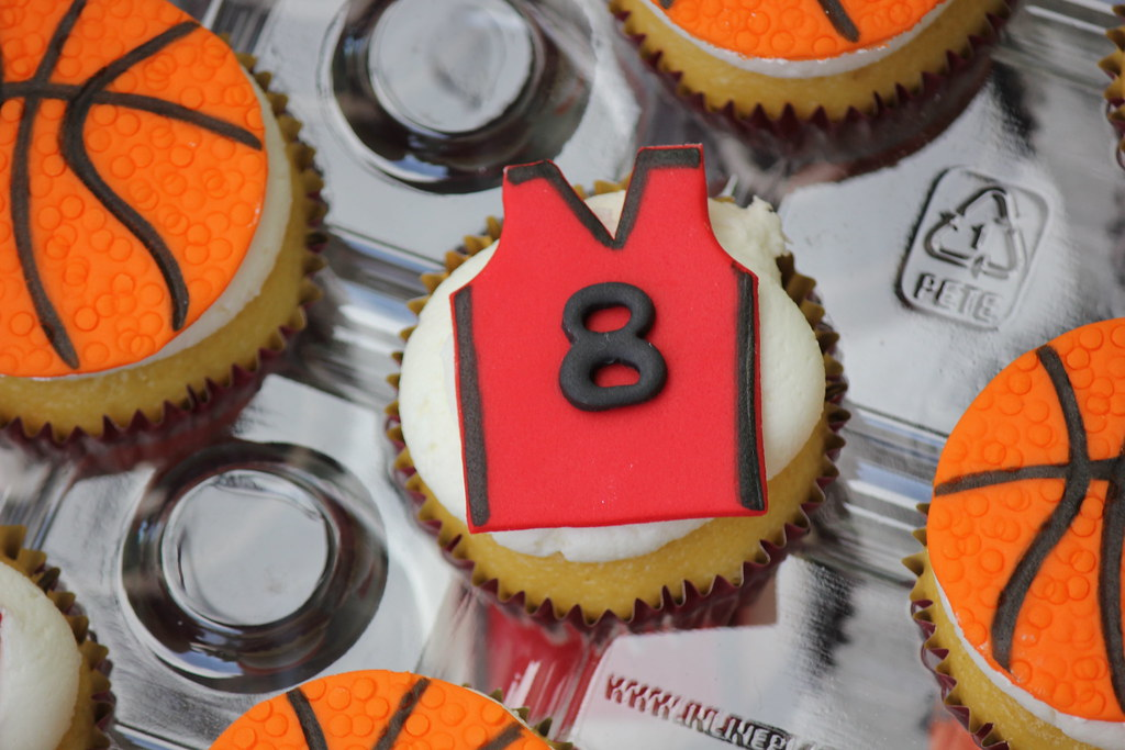 Basketball Jersey Cupcakes Sweet Charity S Flickr