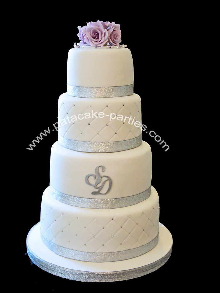 a wedding cake weighed 8 kg wedding cake the photo doesn t really show just 10982