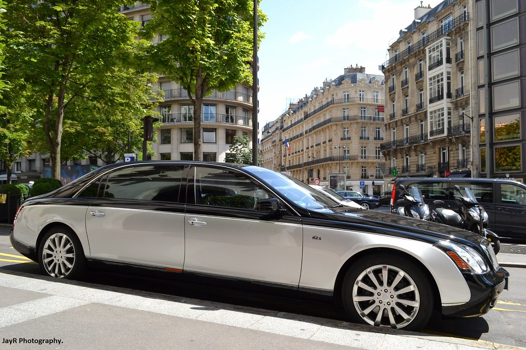 Maybach 62s Powerfully Large Automobile A Bit