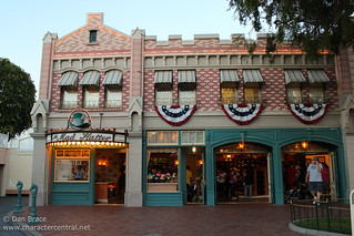 Wandering down Main Street USA | by Disney Dan