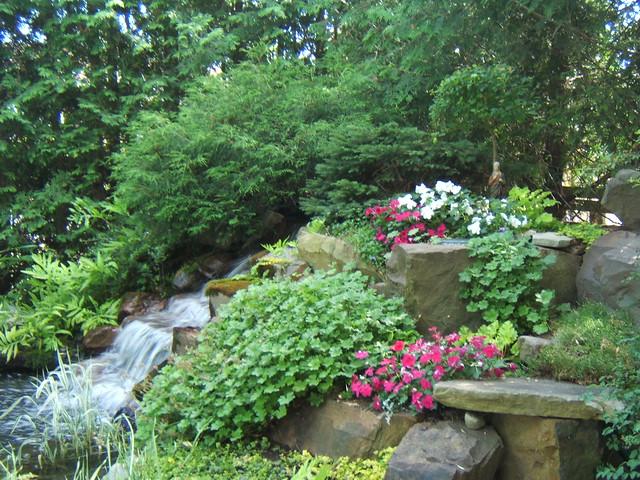 Cascade du jardin d 39 eau flickr photo sharing for Cascade d eau jardin