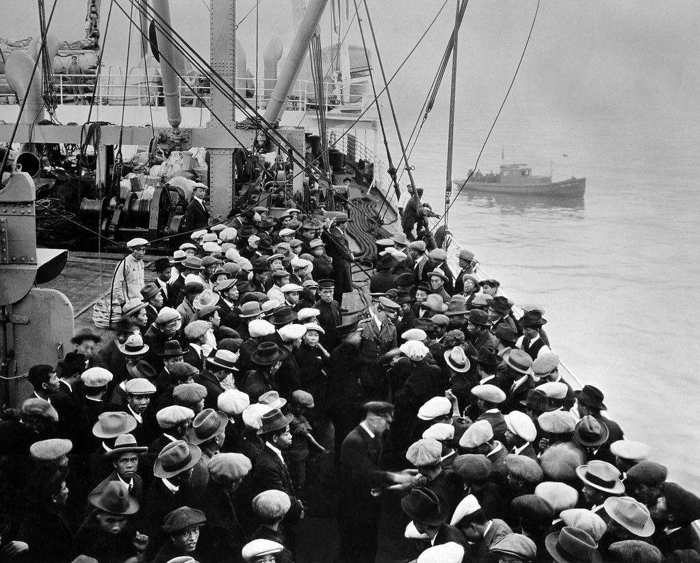 chinese immigrants in italy Home » events and movements » immigration waves  ireland, italy, and other  on the railroad brought a wave of chinese immigrants to thewest coast of the.
