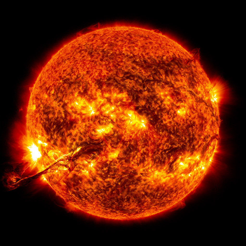 Magnificent CME Erupts on the Sun - August 31 | On August ...