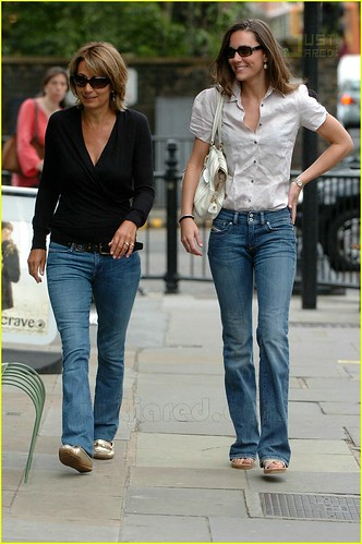 Casual Fashion Style Kate Middleton 02 123souvenir Flickr