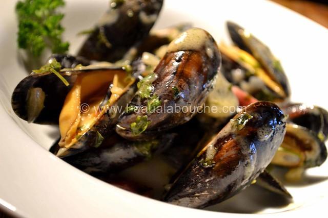 Moules au Jambon & sa Sauce © Ana Luthi Tous droits réservés 18