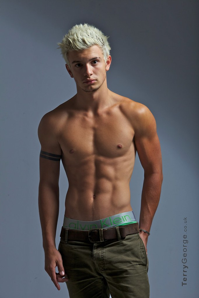 Great male model   Ripped ABS, Men's Muscle and Fitness