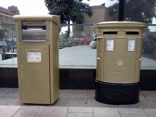 2 gold post boxes in Leeds city centre for Nicola Adams' historic boxing medal | by eltpics