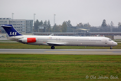 "SAS MD-81 LN-ROM ""Albin Viking"" at ENGM/OSL 14-10-2006 
