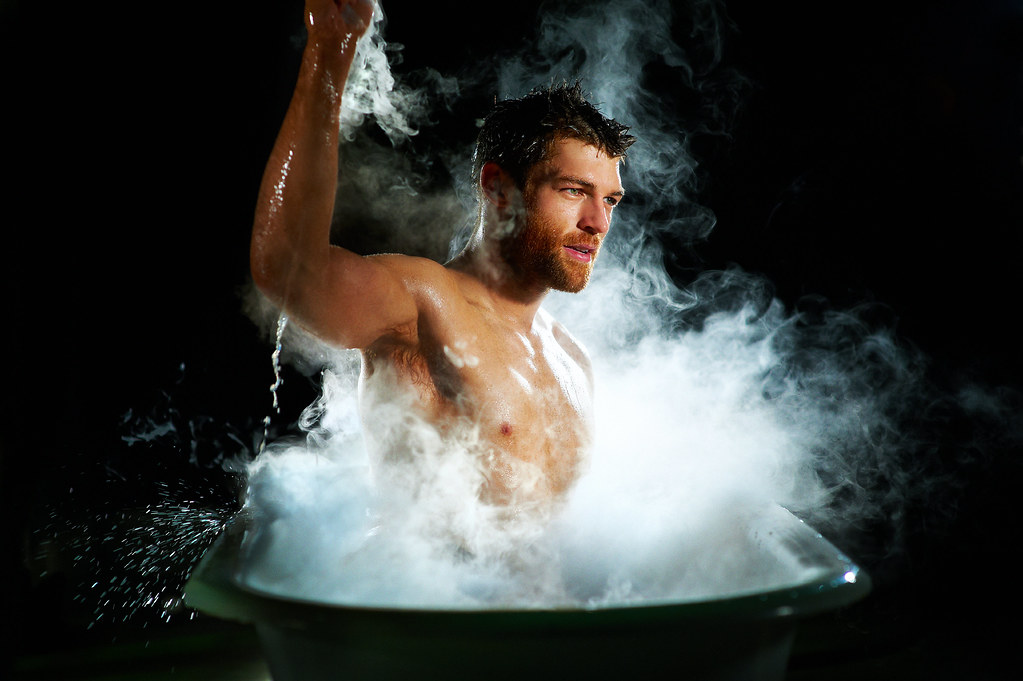 He Is Spartacus | LIAM McINTYRE from our 'IN THE TUB ... Liam Mcintyre Aquaman