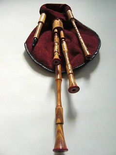 Hümmelchen / 3 drone / made of olive wood | by Bagpipe Maker T. Sonoda