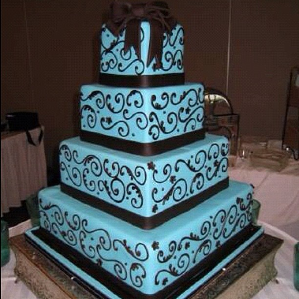 Amazing Blue And Brown Wedding Cake Eavig Kimberly