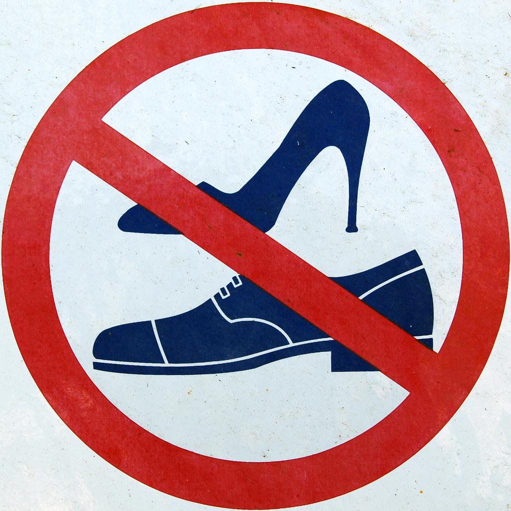 Get Outside Shoe Store Queen Street