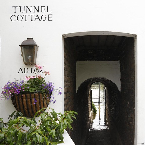 _MG_5175R Tunnel Cottage, Enlightenshade, Jon Perry, 16-9-12 | by Jon Perry - Enlightenshade