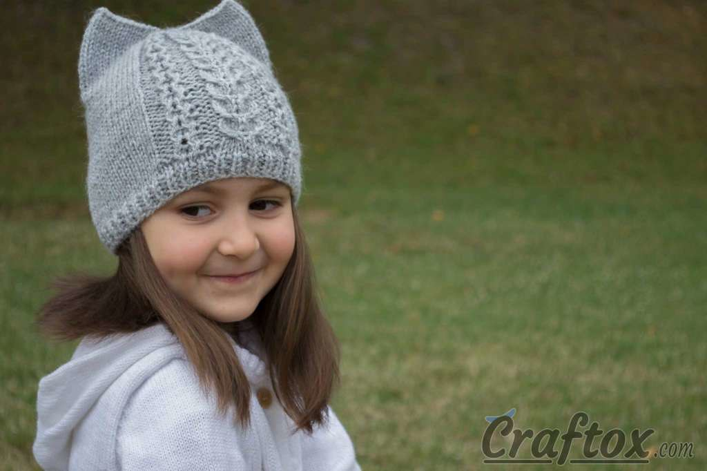 Knit cat ear hat. Free pattern. | See more craftox.com/knit-… | Flickr