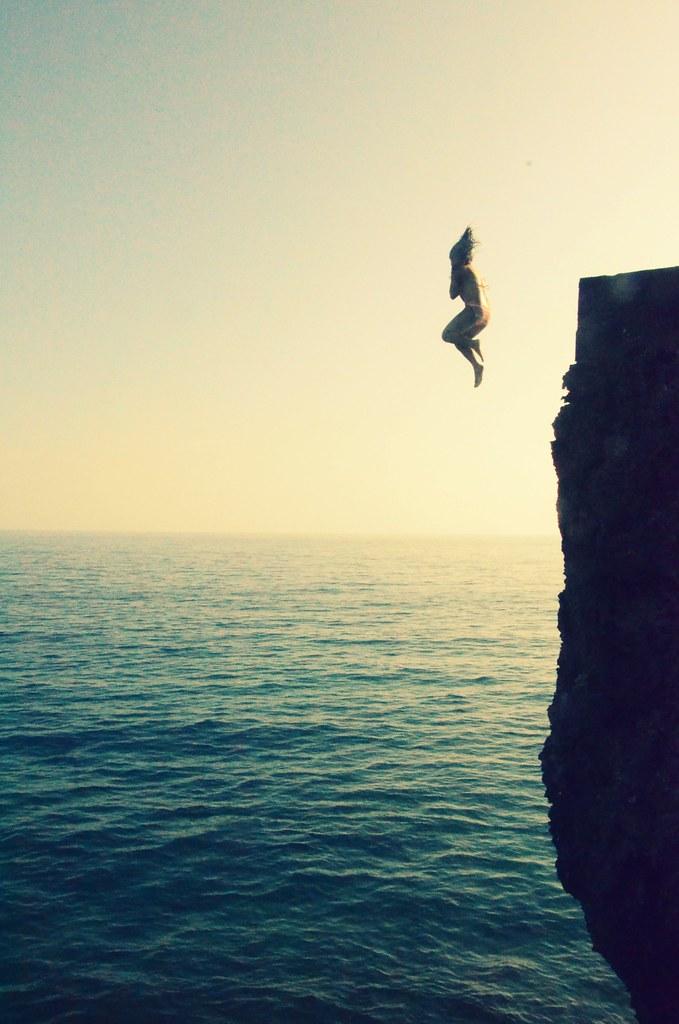 how to jump rakan w