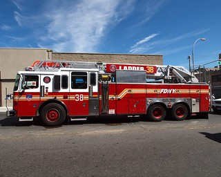 "E088l FDNY ""First Duo at the Zoo"" Ladder 38, Bronx, New York City 