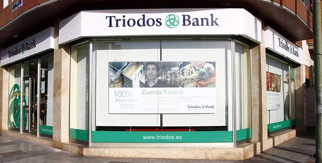 Oficina las palmas triodos bank flickr photo sharing for Oficina adeslas las palmas