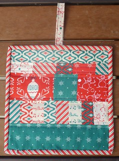 Scrappy Christmas Potholder | by fabricmutt