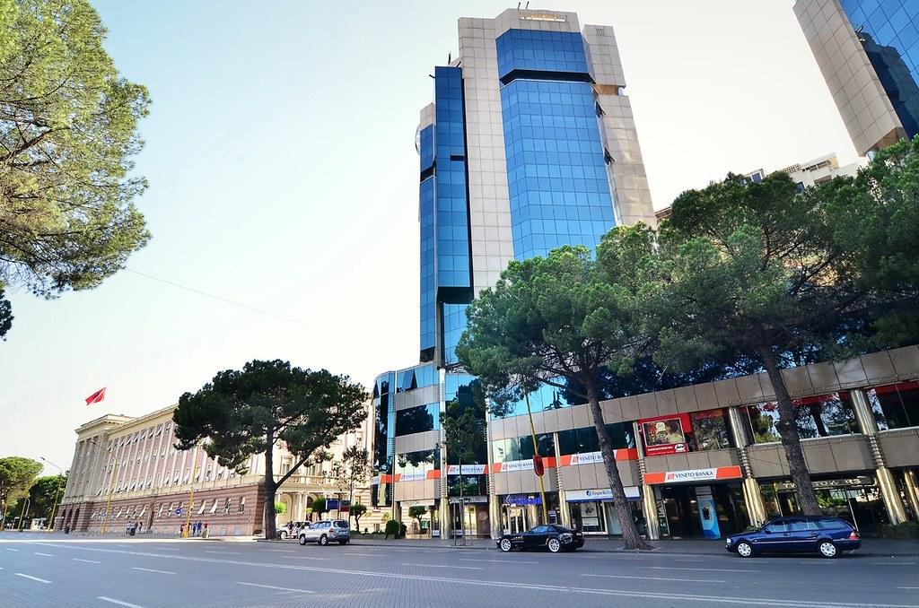 "Veneto Banka - Tirana Twin Towers Blv. ""Deshmoret e Kombit ..."