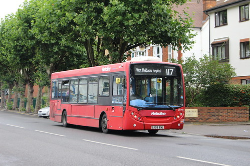 Metroline DE998 on Route 117, Staines Station
