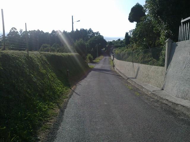 Carretera en la Ruta do Bocelo en Coirós y Paderne