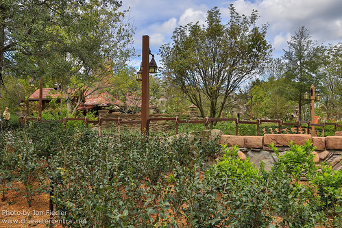 "WDW Sept 2012 - Previewing parts of ""New Fantasyland"" 