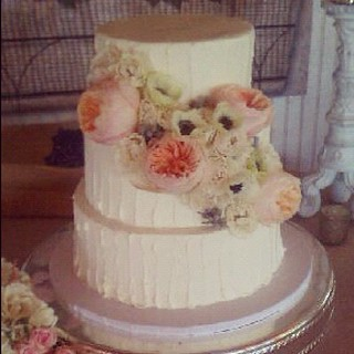 Another rustic buttercream wedding cake #austin #wedding | by Polkadots (Olga)