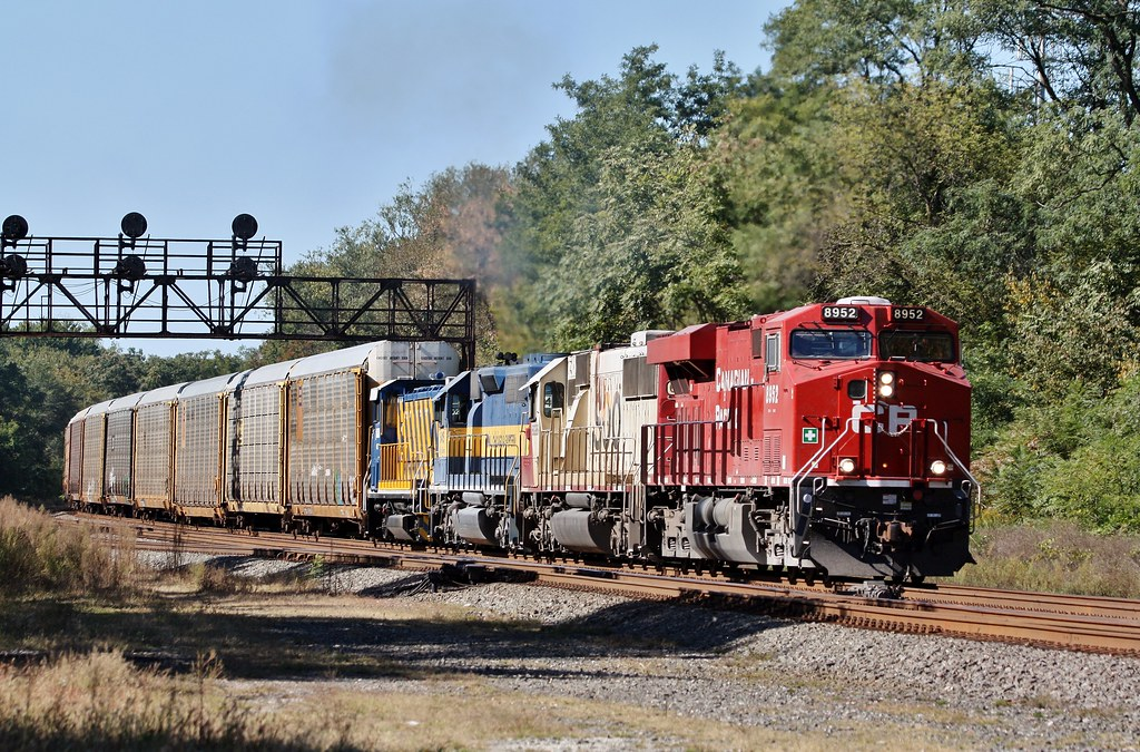 Cp 8952 east in laporte indiana on 9 24 2012 train 242 for Laporte indiana news