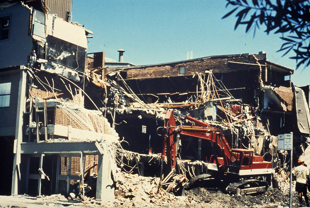 Earthquake - Demolition - Old Newcastle Workers Club, NSW ...