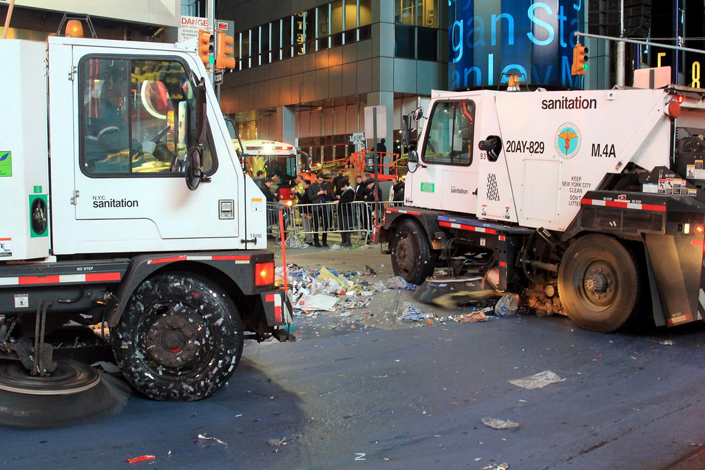 Street Sweepers Cleaning Times Square Street Sweepers Clea Flickr - Nyc street sweeping map