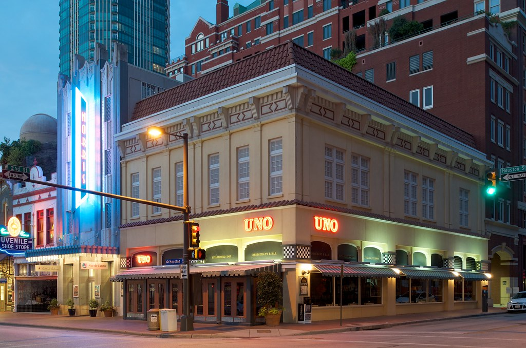 Uno Chicago Grill is a casual dining establishment in Chicago. The restaurant is large, bright and has a laid-back and casual atmosphere. It is filled with comfortable .