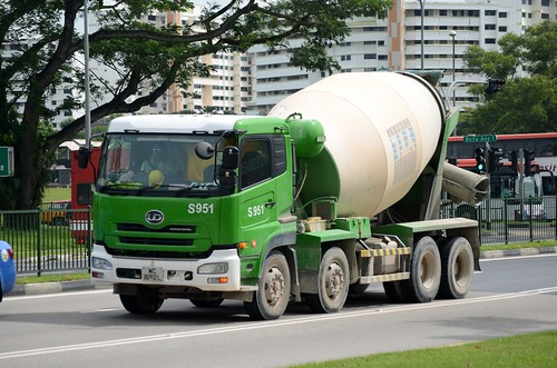 YTL Cement Nissan Diesel Quon CG45 Ready Mixed Concrete Truck | by nighteye