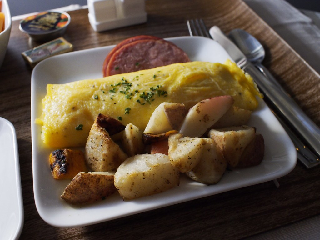 356 Pre A >> Breakfast on Delta Domestic First Class | Domestic First Cla… | Flickr