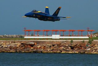 USN 'Blue Angels'  -  'Solo 6' - On the Deck Pass! - KBKL (Burke Lakefront Airport) - Cleveland, OH | by p.csizmadia